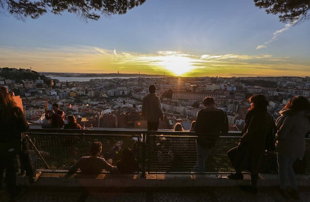 Na Rota Do Mais Belo Por Do Sol Em Lisboa On The Route Of The Most Beautiful Sunset In Lisbon Miradouro Da Senhora Do Monte